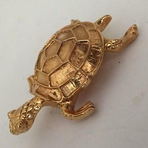 Napier Gold Tone Turtle Pin Beautifully Detailed